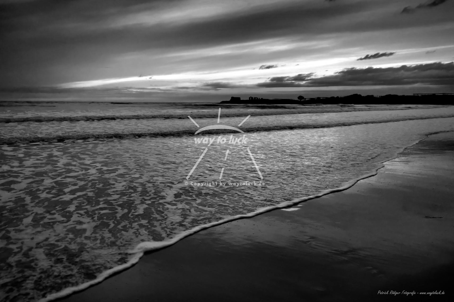 Abendrot Strand Meer Wolken Sizilien Schwarz Weiß