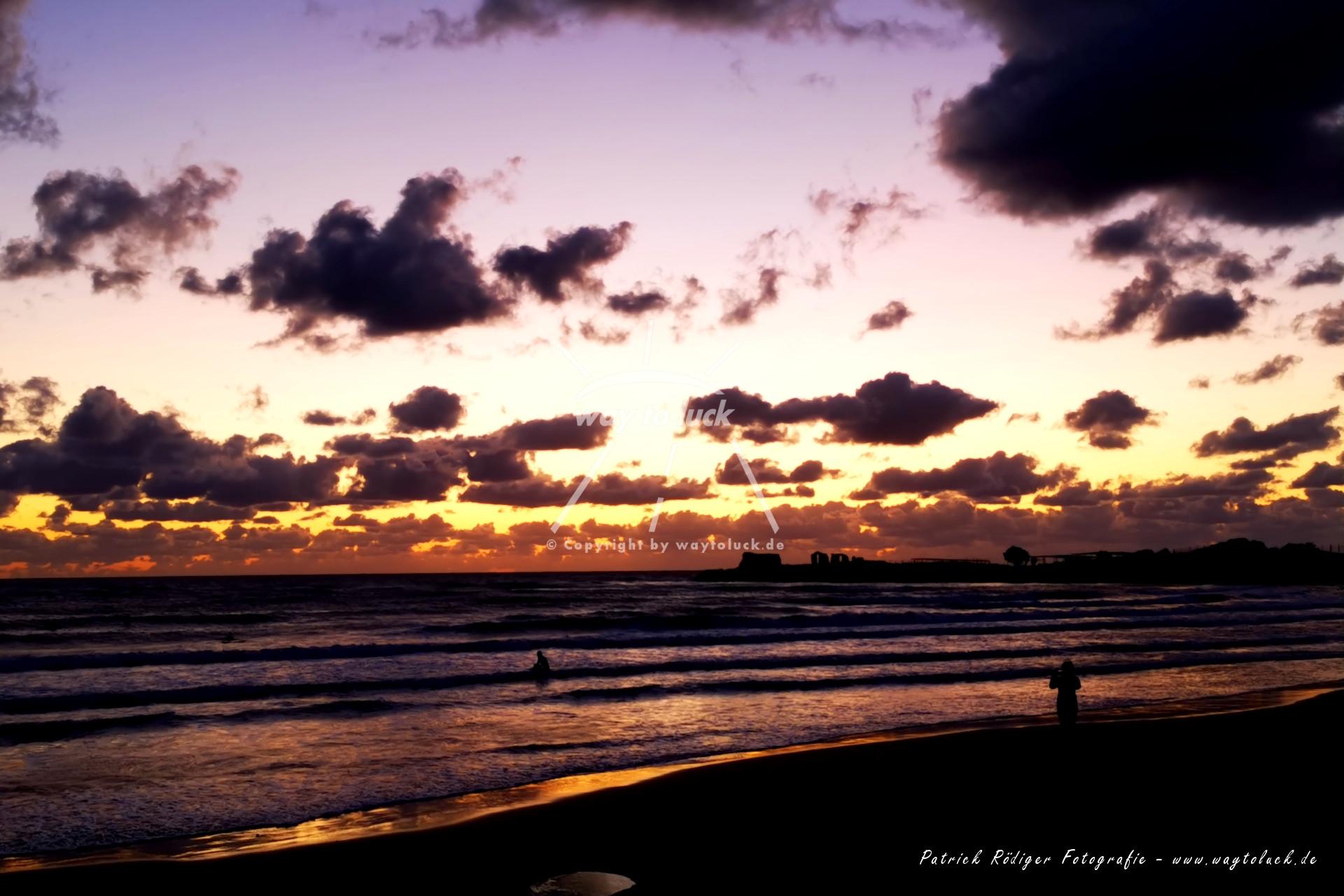 Abendstimmung nach Sonnenuntergang Strand Meer Wolken Sizilien