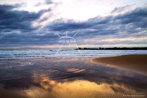 Spiegelung Strand Meer Wolken Sizilien